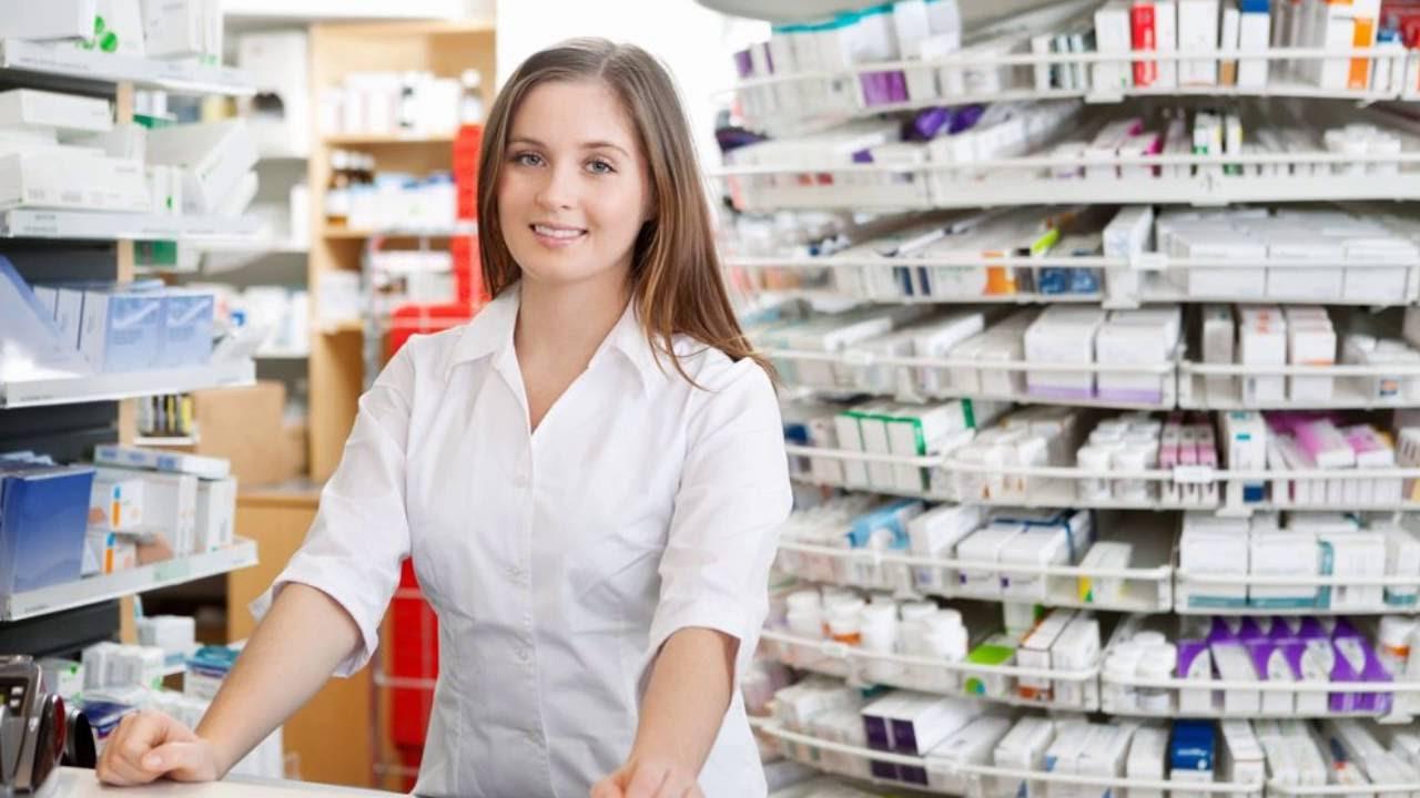 Bí quyết quản lý hiệu quả nhân viên bán hàng tại nhà thuốc