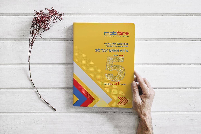 Thiết kế sổ tay nhân viên Trung tâm công nghệ thông tin Mobifone - Adina  Việt Nam